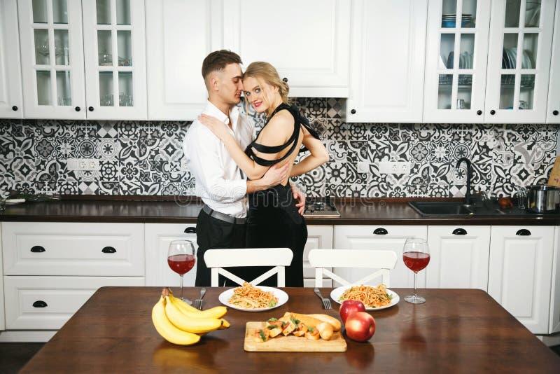 Романтичный обедающий годовщины стоковые фотографии rf