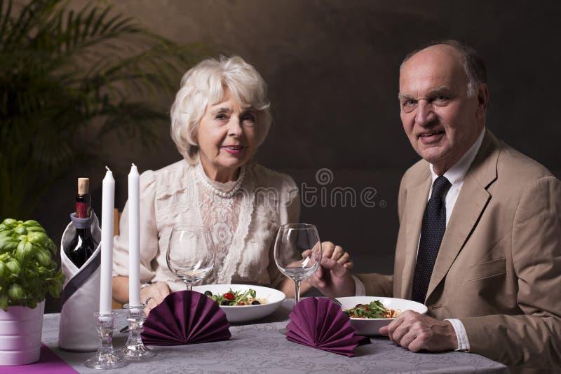 Романтичный обедающий для специального случая стоковое изображение rf