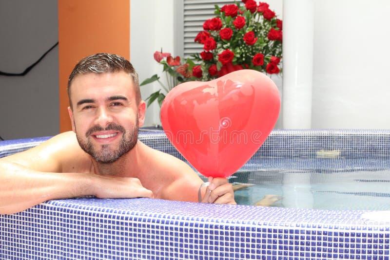 Романтичный парень давая вам сюрприз стоковые изображения