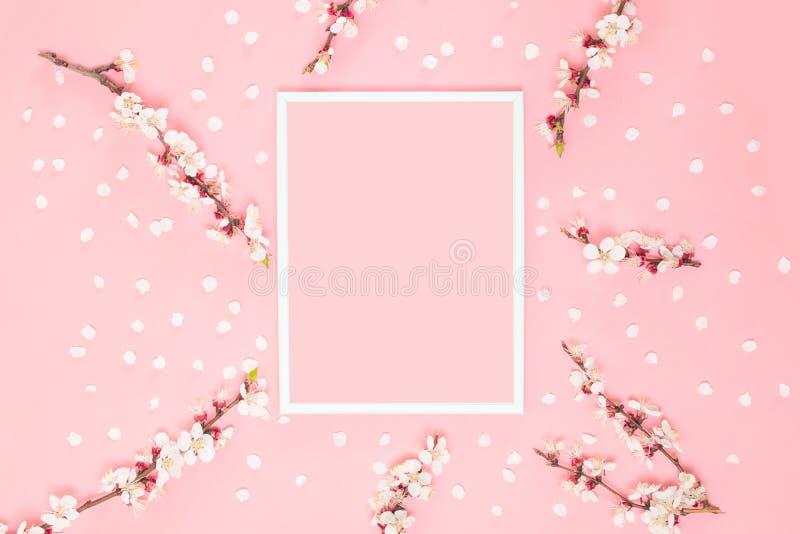 Романтичный состав цветков творческий стоковые изображения rf