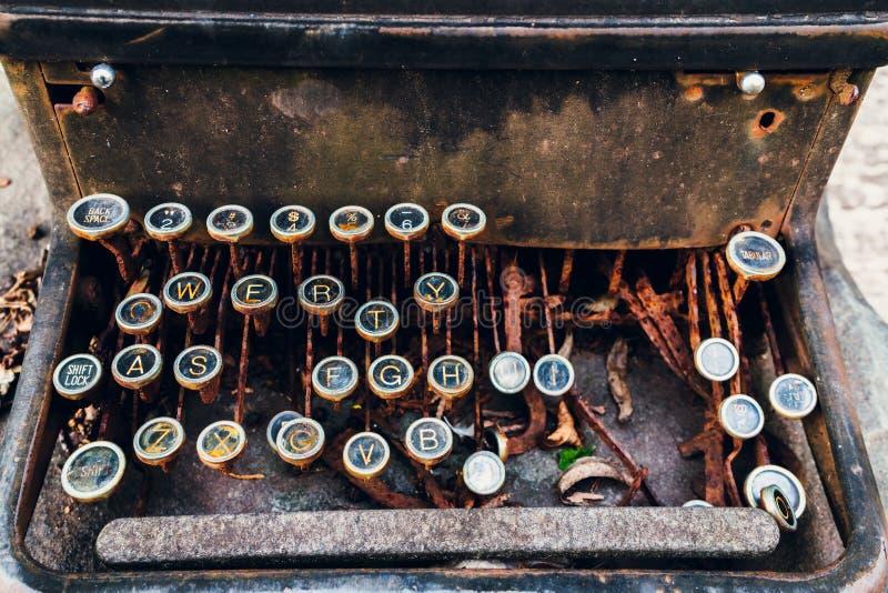 Роман года сбора винограда старой школы Typeriter стоковая фотография