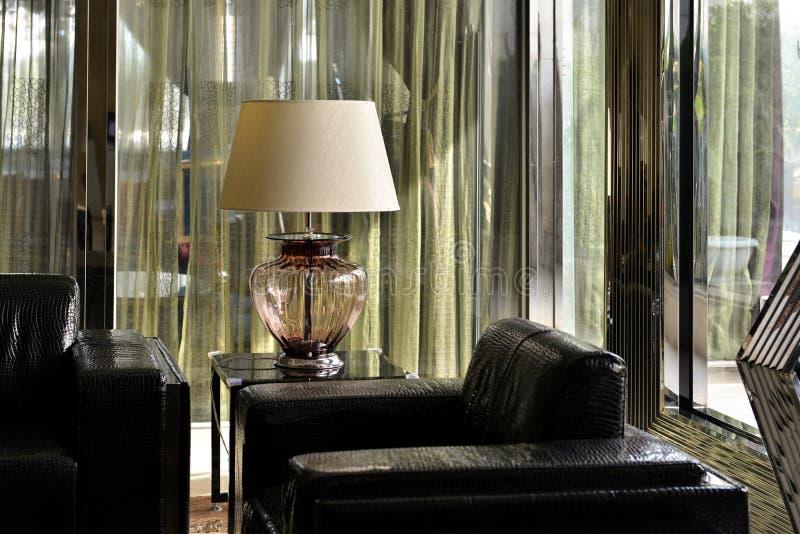 Роскошная лампа стеклянного стола, лампа стола, освещение стола, свет искусства, лампа искусства, освещение искусства, Keepsake стоковые изображения