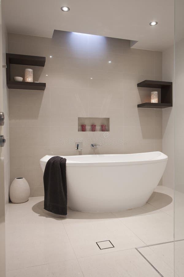 Роскошная ванная комната стоковые фотографии rf