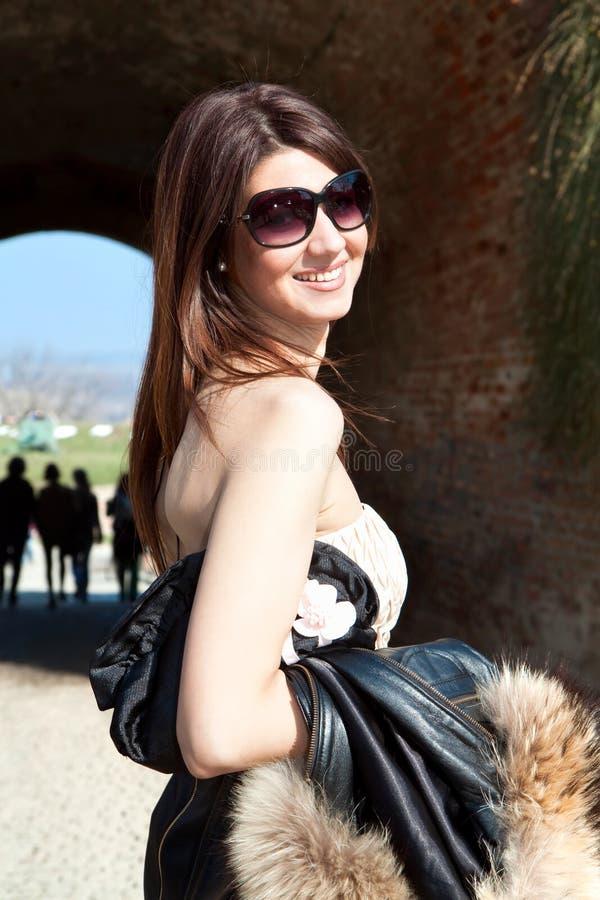 роскошная женщина солнечных очков стоковые фото