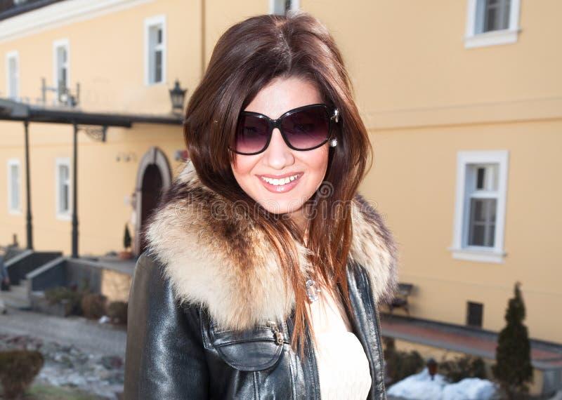 роскошная женщина солнечных очков стоковые изображения rf