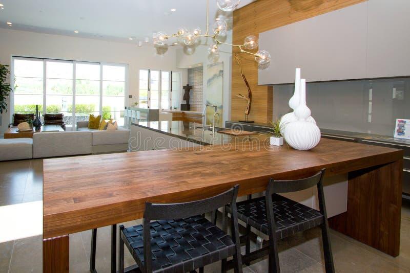 Роскошная домашняя кухня стоковые фото