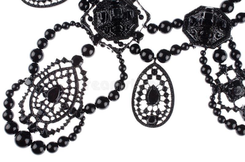 Роскошное ожерелье моды на черной предпосылке стоковые изображения