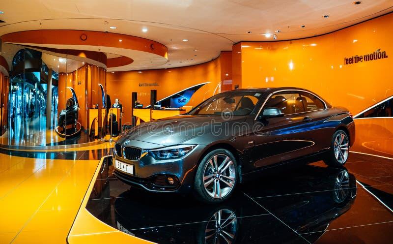 Роскошное экспо BMW в аэропорте Гамбурга стоковое изображение