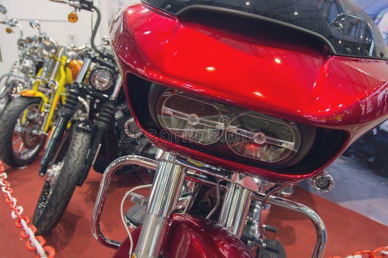 Роскошные мотоциклы в салоне выставочного зала стоковые фотографии rf