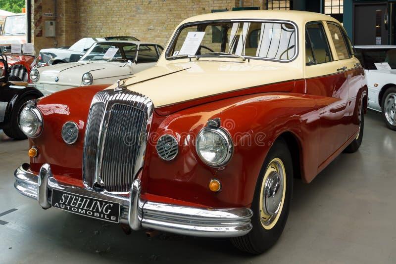 Роскошный автомобиль Daimler величественный главный V8 стоковая фотография
