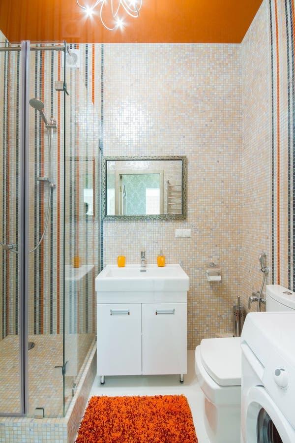 Роскошный ливень ванной комнаты стоковые фотографии rf