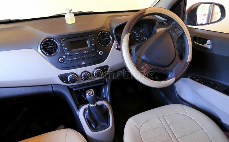 Роскошный интерьер автомобиля стоковые изображения rf