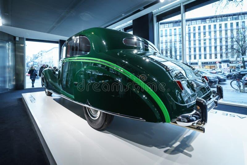 Роскошный лимузин фантома IV sedanca de ville Rolls Royce автомобиля, 1952 Coachwork Хупером Лондона стоковое изображение
