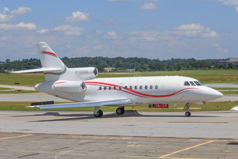 Роскошный реактивный самолет авиации общего назначения стоковые фотографии rf