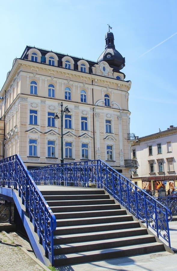 Роскошный старый заново восстановленный дом, Краков, Польша стоковые изображения