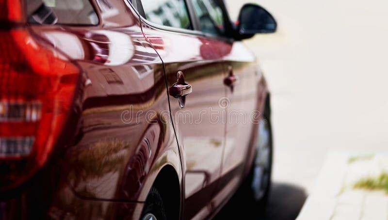 роскошь виллиса автомобиля с дороги стоковые фотографии rf