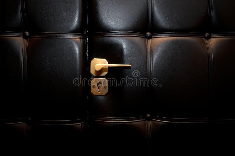 роскошь двери кожаная открытая стоковая фотография rf
