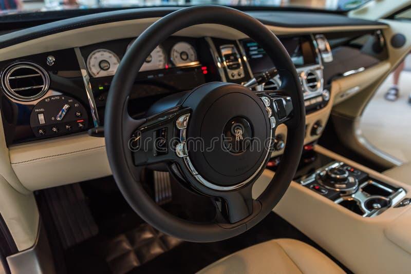 Роскошь Interiour призрака Rolls Royce стоковое фото