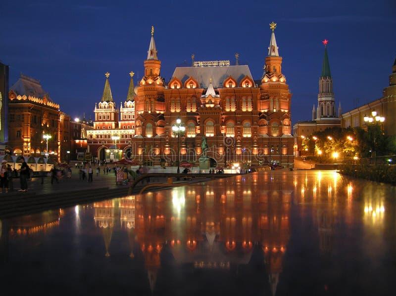 Россия, ночь Москва, взгляд архитектурного ансамбля около красной площади стоковая фотография rf
