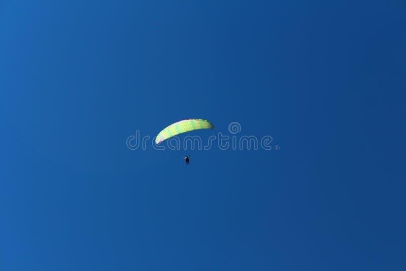 Россия Республика Kabardino-Barkar Chegem paradrome куда мечты приходят верно, полеты над землей!!! стоковая фотография rf