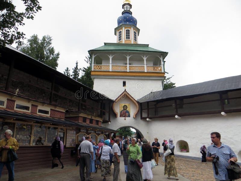 Россия pechora Псков выдалбливает монастырь стоковые фото