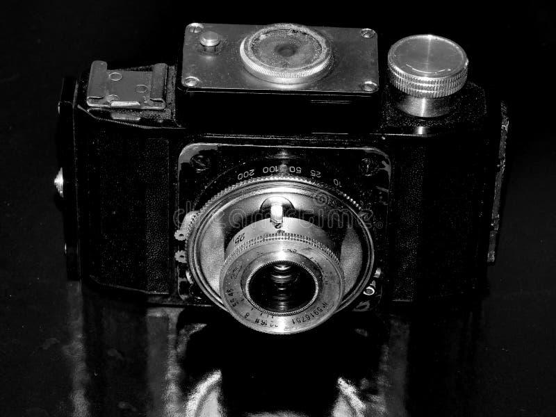 Россия samara 30-ое апреля 2017 Старая фирма камеры фильма изменения на ретро изображении стоковые фото
