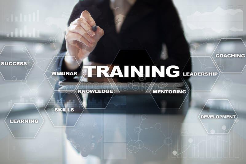 Рост профессионала тренировки и развития Интернет и концепция образования стоковая фотография