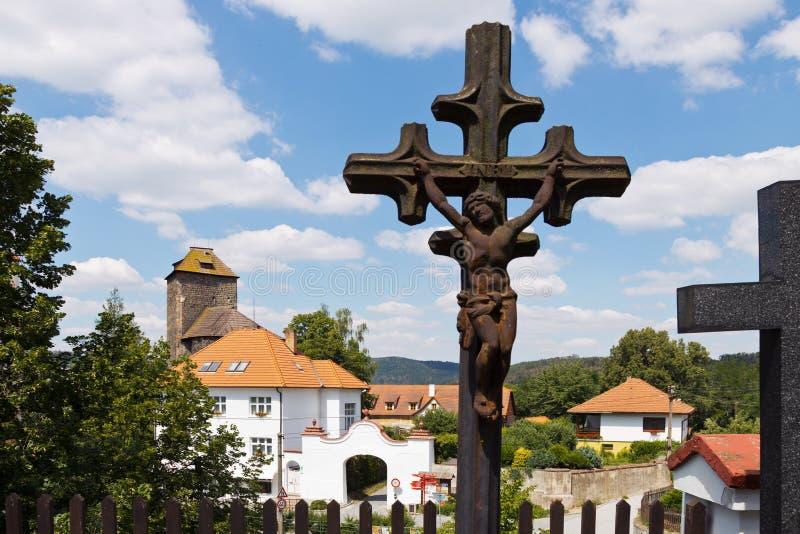 Ротунда и замок с 1200 года, город Тынек-над-Сазаву, Центральная Чехия, Чешская республика стоковые изображения rf
