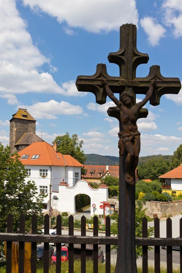 Ротунда и замок с 1200 года, город Тынек-над-Сазаву, Центральная Чехия, Чешская республика стоковое изображение rf