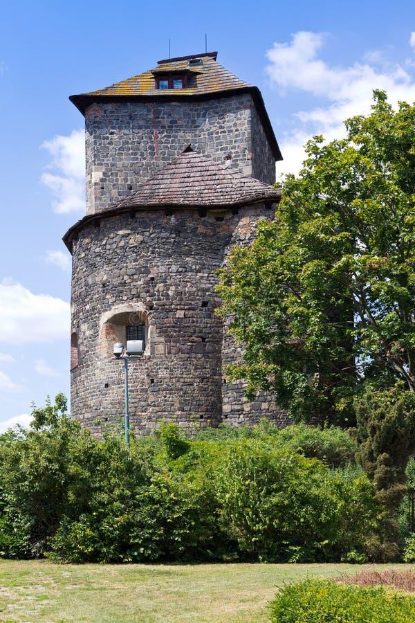 Ротунда и замок с 1200 года, город Тынек-над-Сазаву, Центральная Чехия, Чешская республика стоковое фото