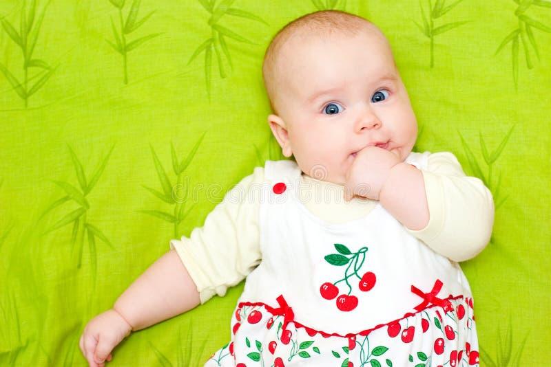 рот младенца руки стоковое фото