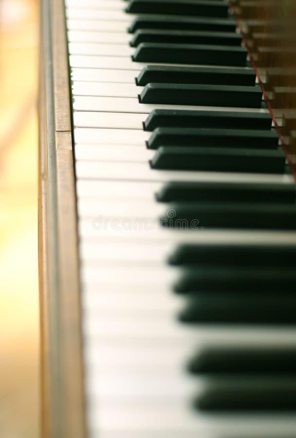 Download рояль клавиатуры стоковое изображение. изображение насчитывающей внутрь - 487581