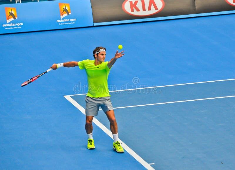 Роджер Federer играя в открытом чемпионате Австралии по теннису стоковые изображения rf