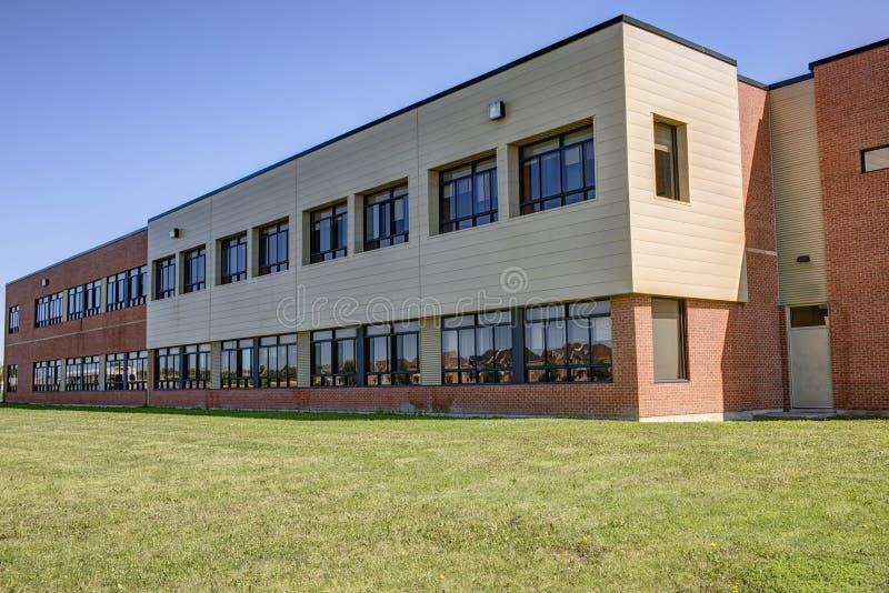 Родовое школьное здание стоковое фото rf