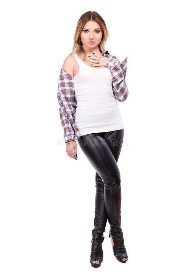 Рубашка уговаривать белокурая нося проверенная стоковые фотографии rf