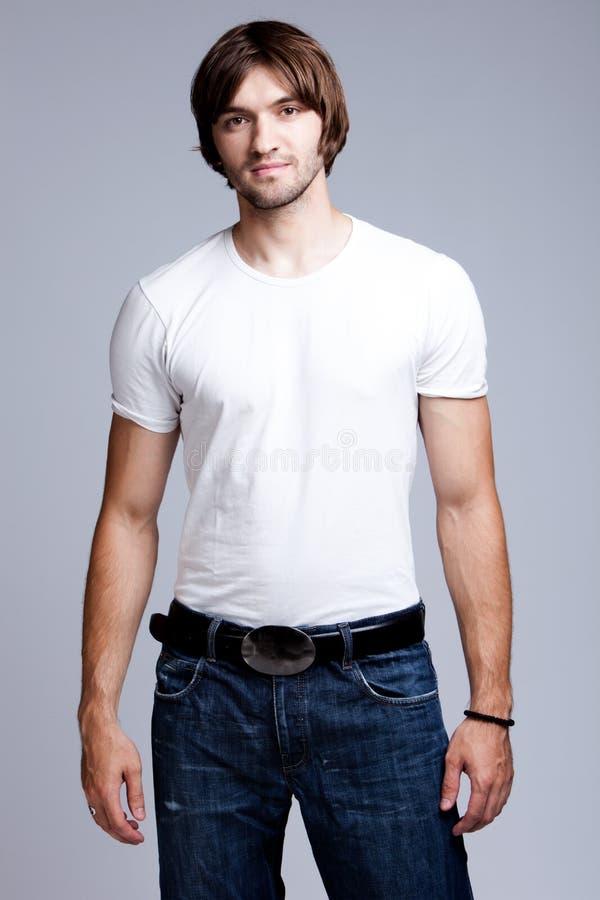 рубашка t джинсыов стоковые изображения
