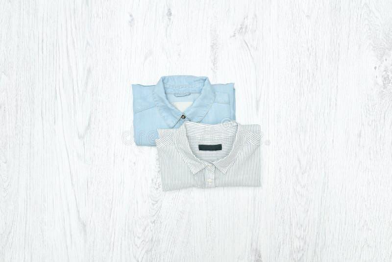 рубашки 2 модная концепция ассортименты стоковое фото