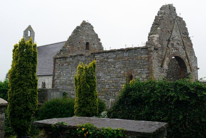 Руины аббатства, Ardfert, Ирландия стоковые изображения