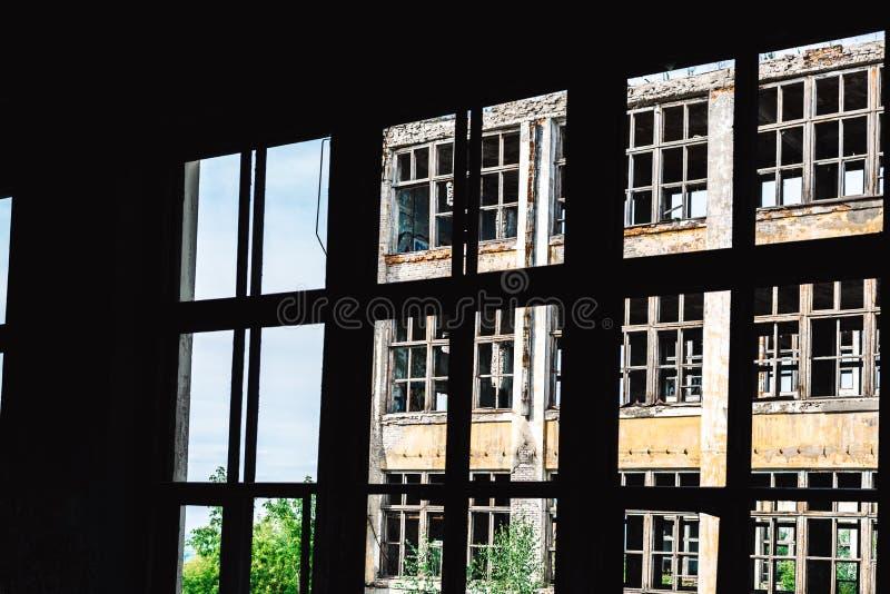 Руины бывшего промышленного предприятия стоковое изображение rf