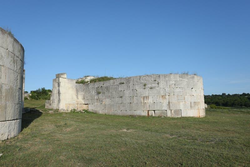 Руины в Румынии, внешние стены Adamclisi стоковые изображения rf