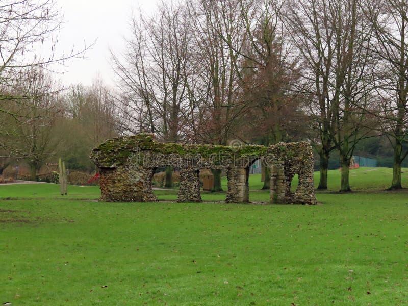 Руины в садах аббатства стоковая фотография rf