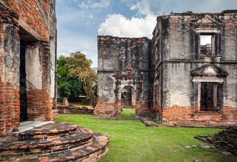 Download Руины в старом Таиланде стоковое фото. изображение насчитывающей художничества - 104036890