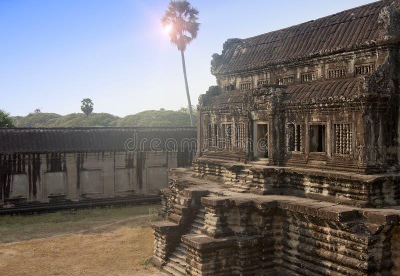 Руины в территории главным образом комплекса виска Angkor Wat, Siem Reap, Камбоджи стоковое изображение rf