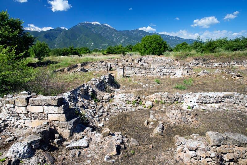 Download Руины в Dion, Греции. стоковое изображение. изображение насчитывающей камушки - 33729693