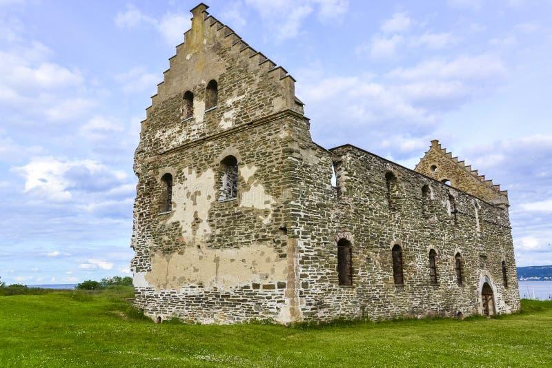 Руины в Visingso, остров замка Visingsborg в Швеции. стоковые изображения