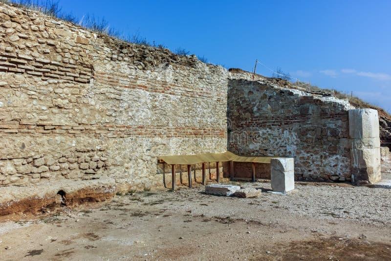 Руины древнего города Heraclea Sintica - построенного Филиппом II из Macedon, Болгарии стоковая фотография rf