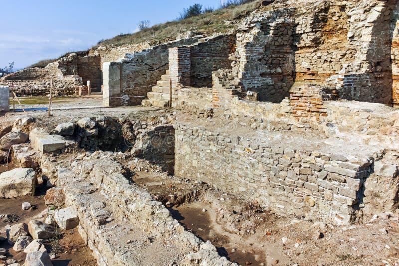 Руины древнего города Heraclea Sintica - построенного Филиппом II из Macedon, Болгарии стоковое изображение