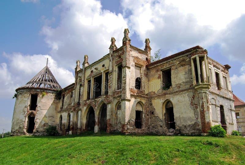 Руины замка Bontida в Трансильвании стоковое фото rf