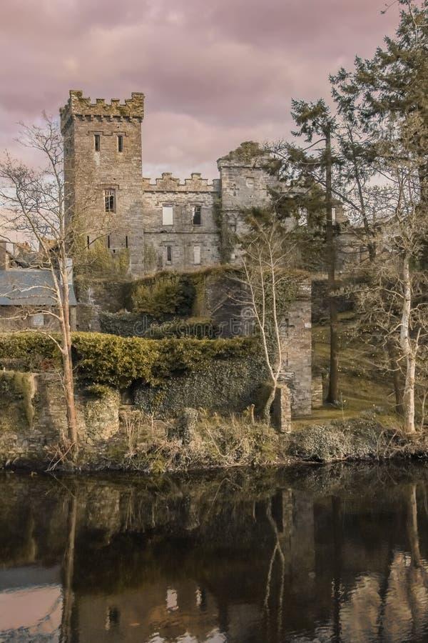 руины замока Macroom Ирландия стоковые изображения