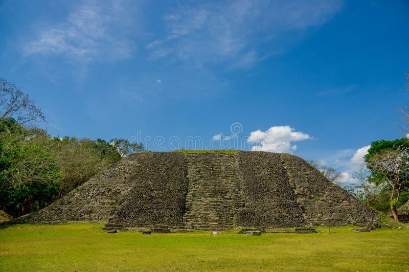 Руины места Майя Xunantunich в Белизе стоковое изображение